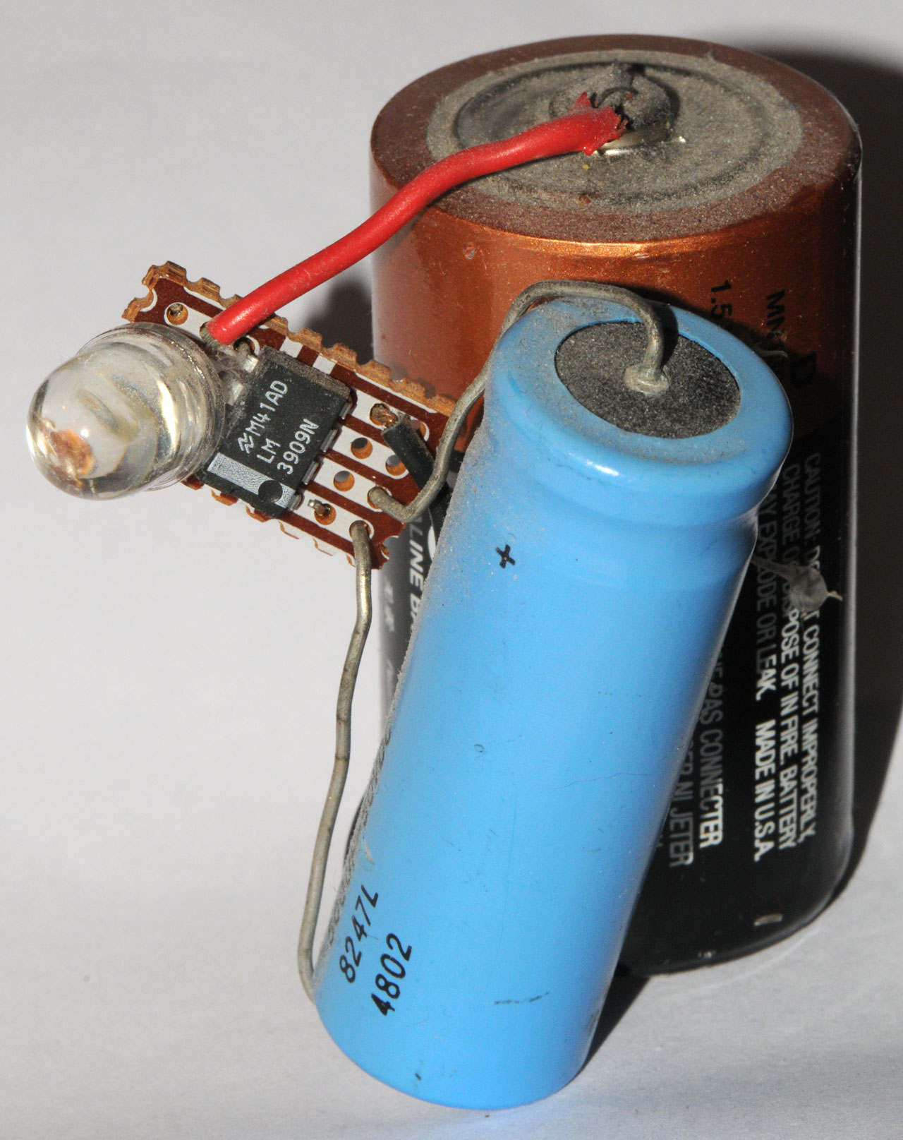 Brookes Led Circuits Charging A 500 F Capacitor It Charges Up Lm3909 D Cell Jumbo Uf 50v Cap