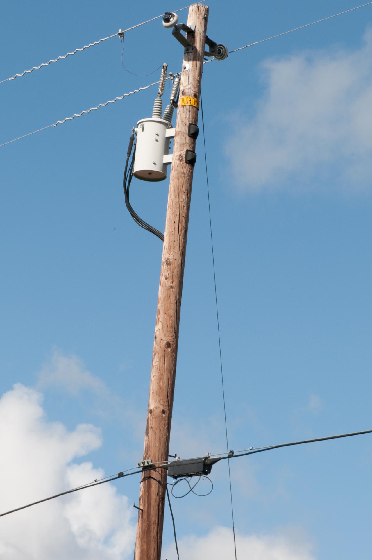 Telephone Power Amp Catv Poles